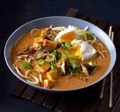 Polévka ramen s opečeným tofu , Foto: Marek Kučera Tofu, Thai Red Curry, Ramen, Ethnic Recipes