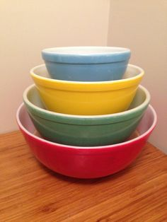 Vintage 1940's Primary Colours Mixing Bowl Pyrex by KitchenVintageStudio on Etsy https://www.etsy.com/ca/listing/465731876/vintage-1940s-primary-colours-mixing