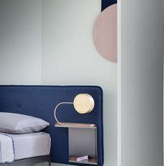 울산인테리어 티디컴퍼니/베드룸홈데코_홈스타일링침대협탁테이블 침실인테리어! : 네이버 블로그 Silver Bedroom Decor, Floating Nightstand, Wall Lights, Interior, Table, Furniture, Home Decor, Floating Headboard, Appliques