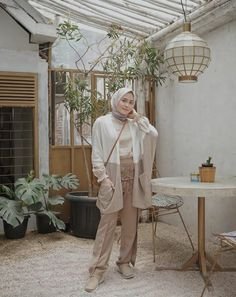 Street Hijab Fashion, Indie Fashion, Muslim Fashion, Modest Fashion, Fashion Outfits, Stylish Hijab, Casual Hijab Outfit, Pastel Outfit, Hijab Fashion Inspiration