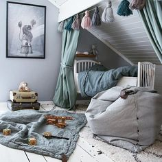 Kids' Canopy Beds to Shelter https://petitandsmall.com/canopy-kids-bed/