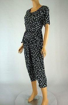 Vintage 80s Black White Floral Rose Jumpsuit Capri Knickers Short Sleeve sz M
