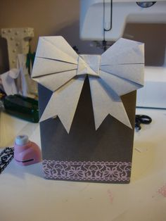thegluegungirl: How to make a gift bag from an envelope