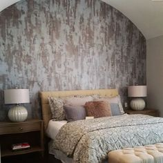 Metallic Plaster finish on Master Bedroom Focal Wall | Project by M&M  Bender Designer Wall Finishes