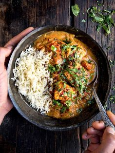 Who doesn't love a one-pot dish? This fish curry (samaki wa nazi), I learned, is popular among the coastal dwellers of Tanzania and Zanzibar, the 'Island Tamarind Fish Curry, Salmon Curry, Veggie Recipes, Lunch Recipes, Asian Recipes, Ethnic Recipes, Veggie Food, One Pot Dishes, One Pot Meals