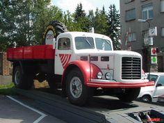 ŠKODA 706 R VALNIK A TA SA IM PODARILA Tow Truck, Commercial Vehicle, Classic Trucks, Old Trucks, Cars And Motorcycles, Vintage Cars, Jeep, Retro, Vehicles