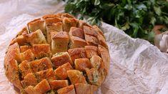 Ostigt vitlöksbröd i Philips Airfryer | Philips Cheddar, Apple Pie, Desserts, Food, Tailgate Desserts, Deserts, Cheddar Cheese, Essen, Postres