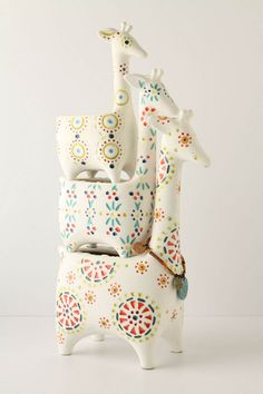 Giraffe stack pots - wonder if I could make or get to make white pink & grey for girl or white & blue for boy. Stacked Pots, Deco Design, Ceramic Pottery, Pottery Pots, Ceramic Pots, Softies, Decoration, Home Accessories, Kids Room