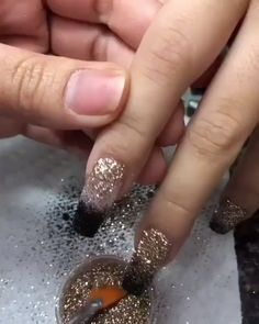 Nails for fall😍 inspiring nail designs that are perfect for Thanksgiving LOV. Nail Art Designs Videos, Simple Nail Art Designs, Acrylic Nail Designs, Glitter Nail Designs, Polygel Nails, Dope Nails, Nail Manicure, Bling Nails, Nail Polish