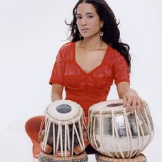 How to play the Tabla. I have a set.... so far just decoration :(