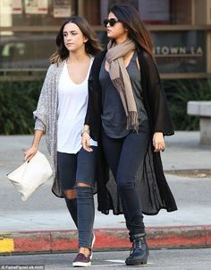 Selena Gomez..... - Celebrity Fashion Trends