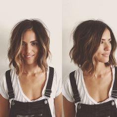 Melenas ultra cortas, revueltas y onduladas, ¡todo lo que esta bien para este otoño! . . . #hair #wob #hairtrends #hairstyle #hairsalon #peluqueria #kickaboo