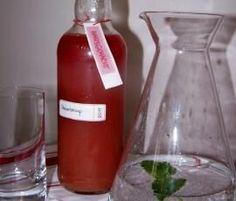 Rezept Rhabarbersirup von honigfee - Rezept der Kategorie Getränke