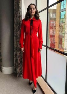 Daisy Ridley Celebrity Red Carpet, Celebrity Style, Chaos Walking, London Today, Daisy Ridley, Draped Dress, Victoria Beckham, Fashion Photo, Women's Fashion