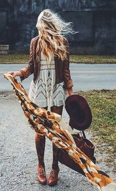 perfect fall look - love the colors here - style | fall fashion - inspiration - idea - ideas - outfits - cold weather - trendy - cute - oxfords - maroon hat