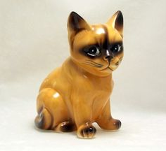 Vintage ceramic cat figurine made in Japan