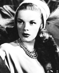 Judy Garland. ♥ an amazing actress! Beautiful and so talented.