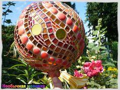 """""""fire ball"""" 20 cm diameter by Mosaikstall Mosaic Bowling Ball, Bowling Ball Art, Mosaic Vase, Mosaic Birds, Garden Junk, Garden Art, Yard Art Crafts, Mosaic Stepping Stones, Garden Globes"""