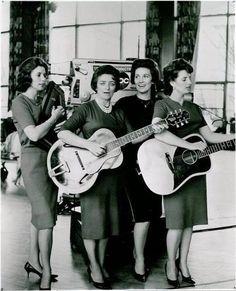 Mother Mayelle & The Carter Sisters (June Carter, Maybelle Carter, Anita Carter & Helen Carter). https://en.wikipedia.org/wiki/The_Carter_Sisters https://uk.pinterest.com/pin/504121752009145263/