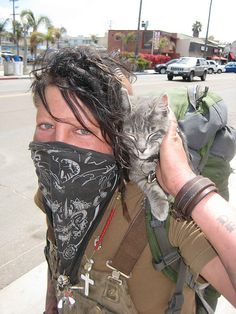 """crust-fund: """" Train Hopper and her cat (by Anna Sunny Day) """" Anarcho Punk, Crust Punk, Vampire Costumes, Punks Not Dead, Dreads Girl, Punk Goth, Cat People, Youth Culture, Post Apocalyptic"""