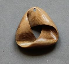 Anhaenger-Echte-Mammut-Bein-Pendant-Mammoth-carving
