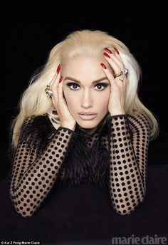 Gwen Stefani looks ready for her closeup on the special Holiday 2017 cover of Marie Claire US. Photographed by Kai Z Feng, the singer wears a mesh David Koma… Gwen Stefani Mode, Gwen Stefani And Blake, Gwen Stefani Style, Gwen Stefani Makeup, Gwen Stefani Fashion, Marie Claire, Glamour, Rihanna, Gwen And Blake