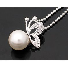 Exquisite Butterfly Faux Pearls Pendant Necklace Necklaces | RoseGal.com Mobile