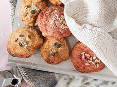Bagel, Bread Recipes, Muffin, Breakfast, Halloween, Drinks, Morning Coffee, Drinking, Muffins