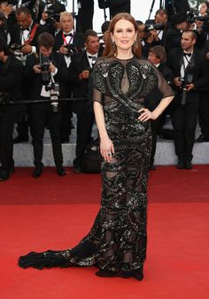 Julianne Moore stunned in an embroidered Givenchy gown and Chopard jewelry for the Café Society premiere.