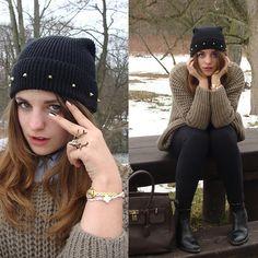 Diy Hat, Burberry Shirt, Claire`S Deer Ring, Bershka  Vershka Oversized Sweater