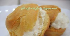 Wanted to bake durian cream puff long time ago, after saw Cooking Crave 's nice strawberry puff . It encourage me to give a try immediatel...