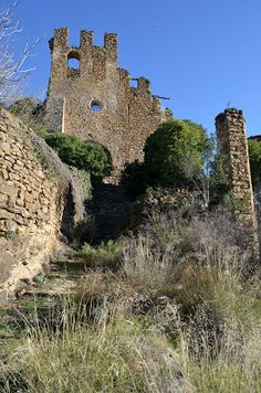 URBAN EXPLORATION: Abandoned Medieval Town in the Pyrenees, Spain