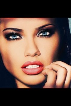 makeup - adriana lima