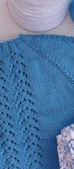 tutorial para hacer jersey de bebé con dibujo calado, lace baby cardigan, Crochet For Boys, Knitting For Kids, Knit Or Crochet, Baby Knitting Patterns, Knitting Stitches, Knitting Projects, Crochet Baby, Summer Jacket, Clothes