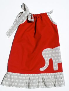 Though I would never let a little girl of mine wear an Alabama dress, totally cute concept! Little Girl Dresses, Girls Dresses, Elephant Dress, Elephant Fabric, Elephant Baby, Roll Tide, Sewing For Kids, My Baby Girl, Baby Dress