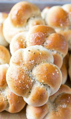 Minute Garlic Knot Recipe