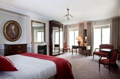 Hotel Mansart in Paris - Highly recommend this hotel. Paris Hotels, Paris Travel, 4 Star Hotels, Antique Furniture, Simple Bedrooms, France, Spaces, Home Decor, Culture