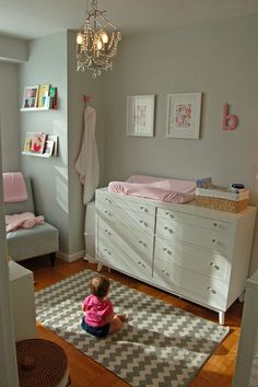 Rug and room color. Grey with a pop of pink!