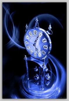 blue-filter anniversary clock