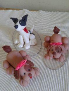 Cachorrinhos em biscuit