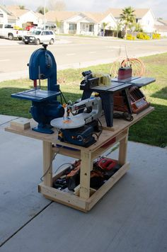 Mobile power tool station