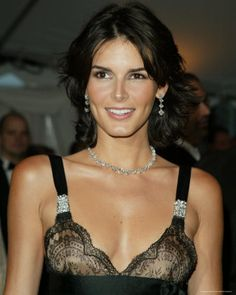 Love Angie Harmon. She's beautiful and arguably has the best body...even after having three beautiful girls.