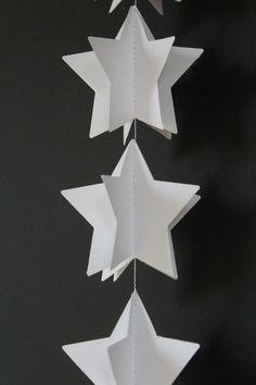 Girlanden & Wimpelketten - 3D Girlande Papier Sterne / weiße Stern Girlande - ein Designerstück von pilzartpapeterie bei DaWanda