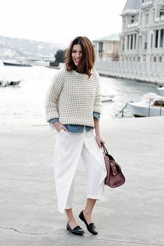 Convient Fall Fashion Ideas for Working Women (25)