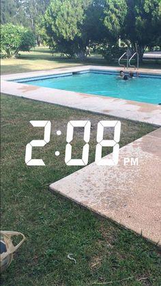 Fake Life, Crazy Life, Snapchat Time, Beach Tumblr, Pool Picture, Summer Wallpaper, Fake Photo, Insta Photo Ideas, Tumblr Photography