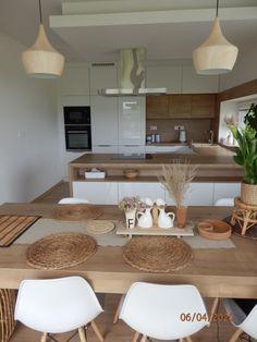 Kitchen Pantry Design, Best Kitchen Designs, Modern Kitchen Design, Home Decor Kitchen, Kitchen Living, Kitchen Furniture, Kitchen Layout, Home Kitchens, Interior Design Kitchen