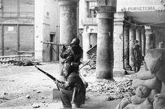 Fuerzas republicanas de la 40ª División de Carabineros entran en Teruel, equipadas con mosquetones checos VZ-24 importados por Jiménez de Asúa.