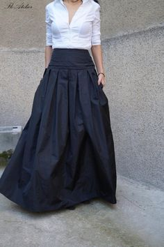 Lovely Black Long Maxi Skirt / High or Low Waist Skirt / Long Waistband Skirt / Handmade Skirt / Low Waisted Black Skirt / Formal Skirt / Skirt / - Long and flowing taffeta skirt. Classic look. Comfortable and touch of elegance. Fitted tops or over - Maxi Skirt Outfits, Long Maxi Skirts, Dress Skirt, Waist Skirt, Modest Outfits, High Waisted Skirt, Look Fashion, Fashion Outfits, Taffeta Skirt