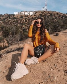 Tenha fotos incríveis no seu feed! Tumblr Photography, Photography Poses, California Pictures, California California, California Girl Style, Los Angeles Pictures, Cute Poses For Pictures, Hollywood Sign, Instagram Pose