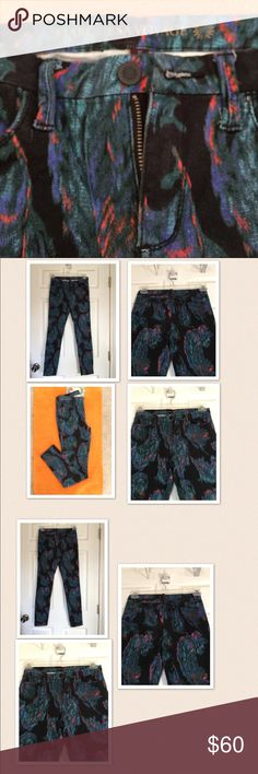 Marchesa voyage printed jeans I'm selling a beautiful marchesa voyage printed skinny pants in good condition size 27...96 % cotton, 4% spandex. marchesa voyage Jeans Skinny
